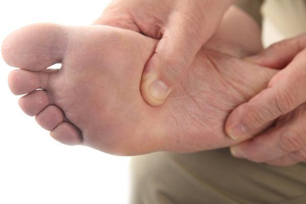 chăm sóc bàn chân người tiểu đường