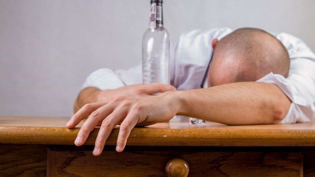 Lạm dụng bia rượu