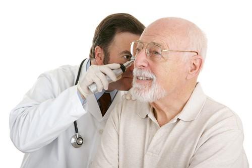 khả năng nghe giảm đi theo tuổi tác