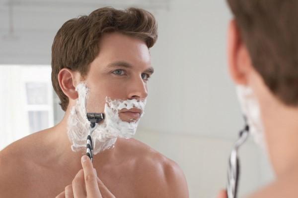 Cạo râu sai cách