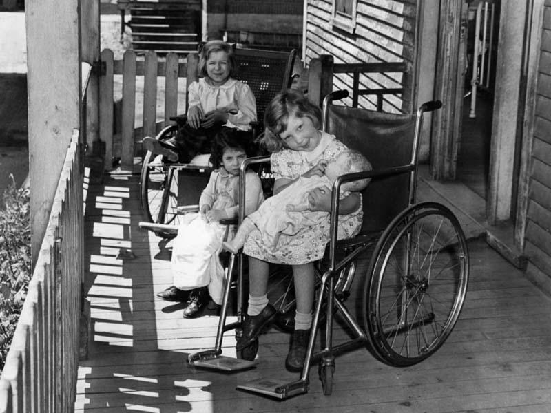 bệnh bại liệt