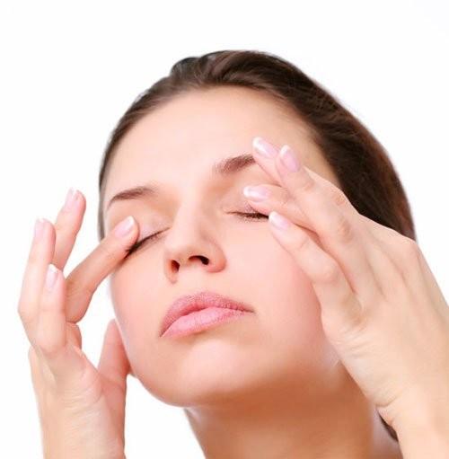 nguyên nhân gây khô mắt